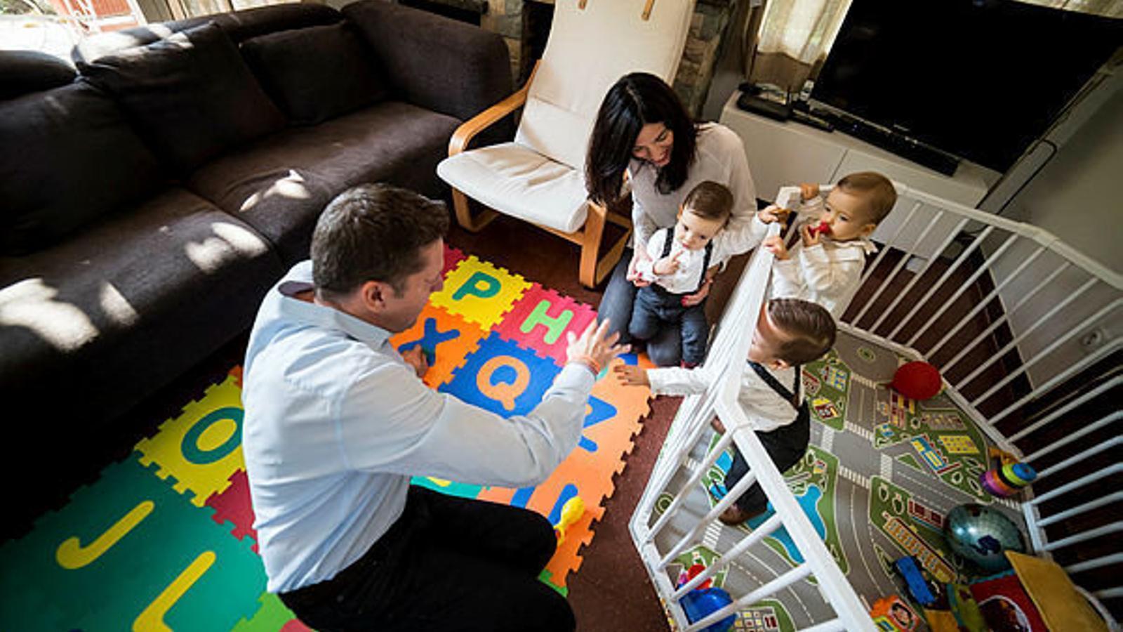 Les famílies amb tres fills, prop de 22.000 a Balears, són considerades famílies nombroses segons la llei estatal. Ara també ho seran les monoparentals amb més d'un fill.