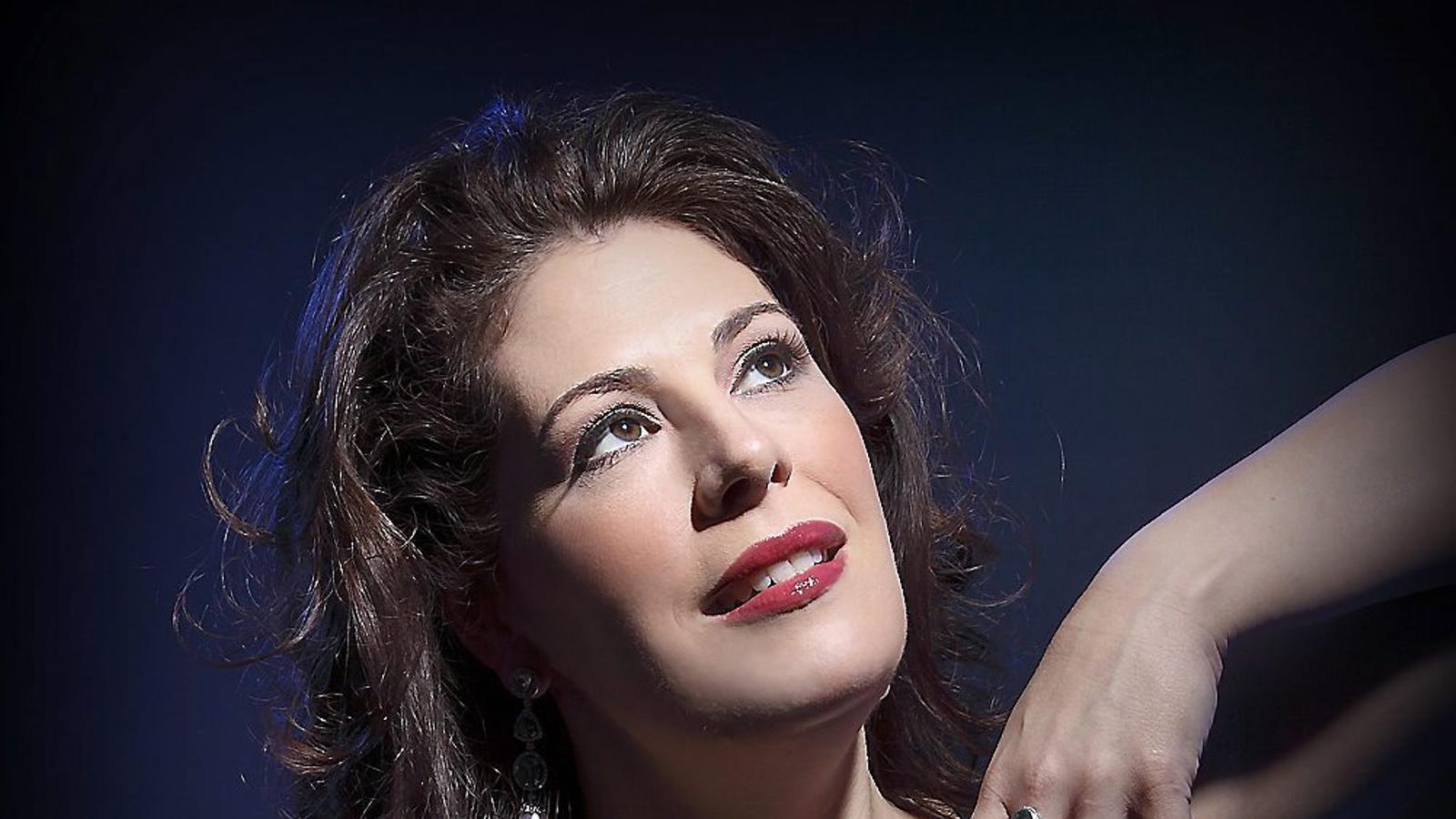"""Sondra Radvanovsky: """"La mare sempre deia que moro bé a l'escenari, val més que li faci cas!"""""""
