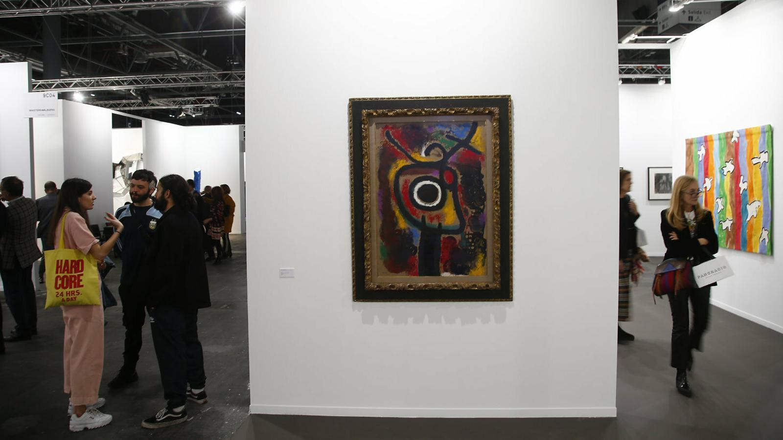 El 'Ninot', un Miró milionari i Isabel Preysler fan vibrar Arco