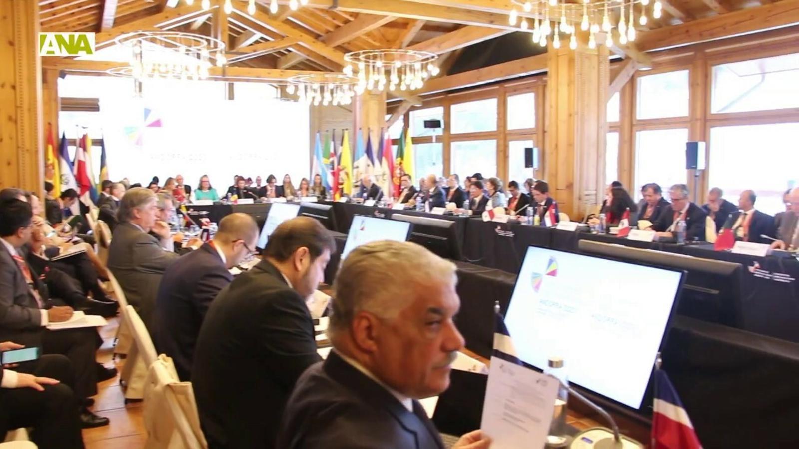 Primera reunió de ministres d'Afers Exteriors iberoamericans celebrada a Soldeu