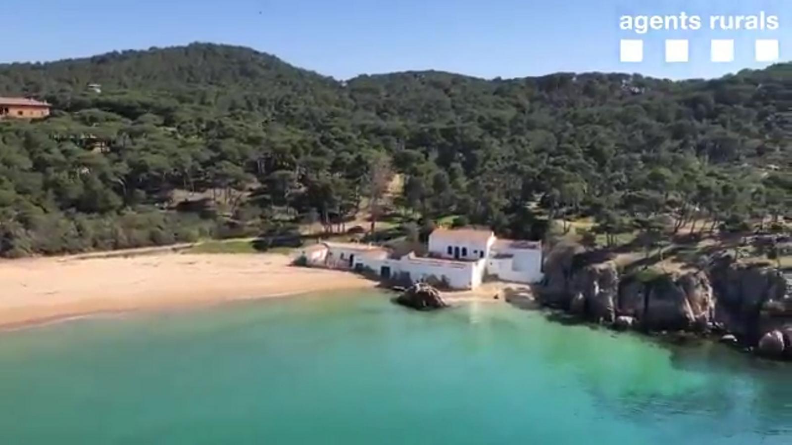 Imatges inèdites de la costa gironina buida pel confinament