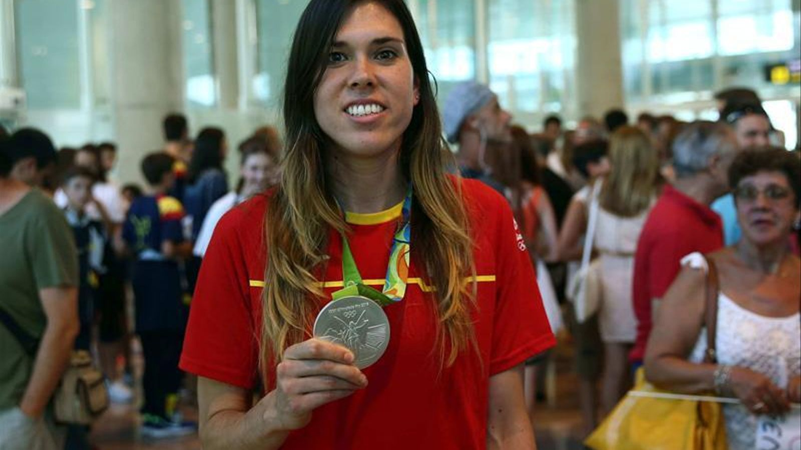 Anna Cruz, amb la medalla deplata