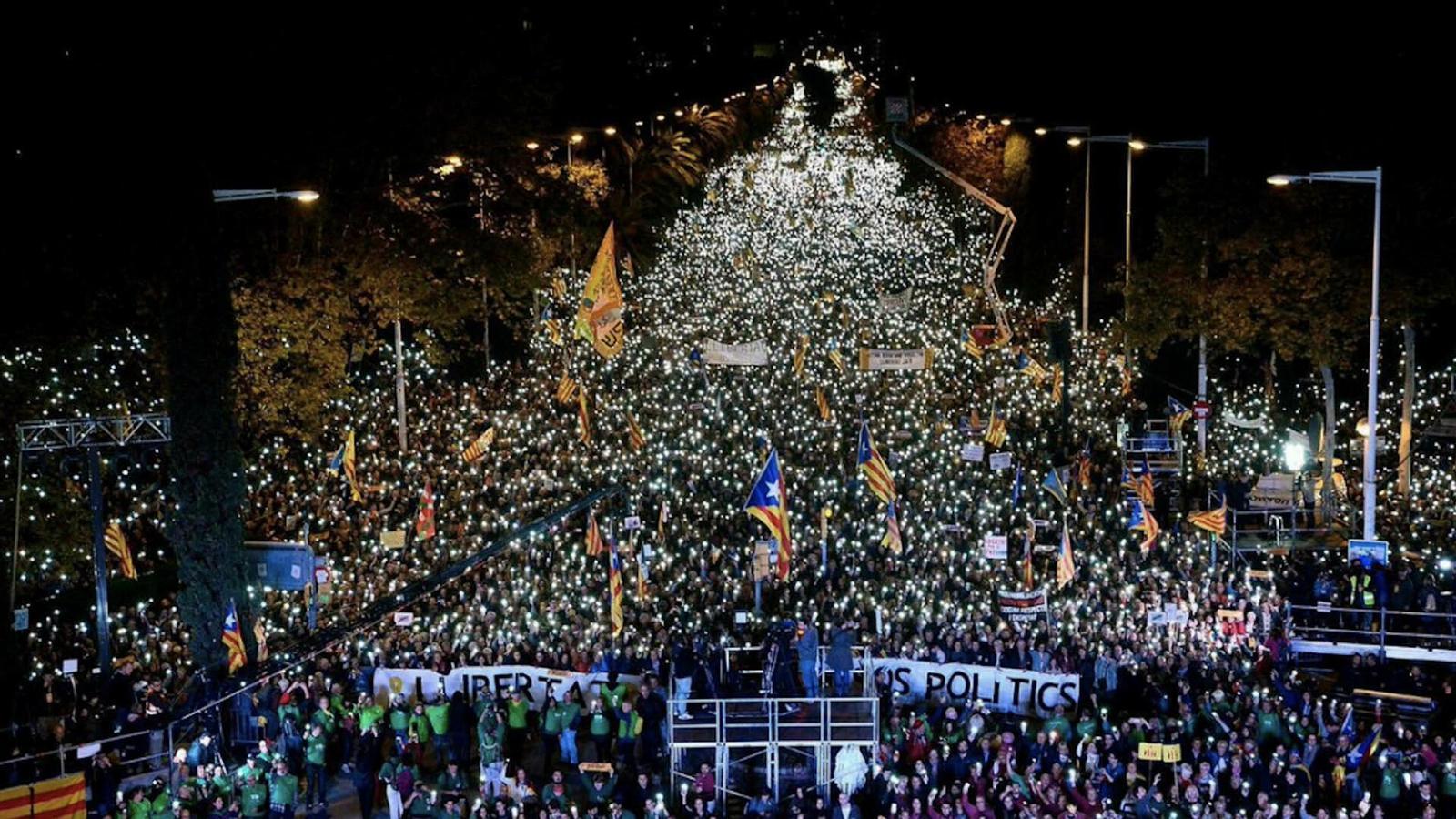 L'anàlisi d'Antoni Bassas: 'No deixem que converteixin un problema polític en un problema d'ordre públic'