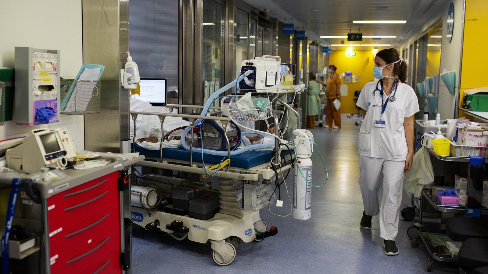 Imatge d'arxiu d'una UCI a l'Hospital de la Vall d'Hebron.