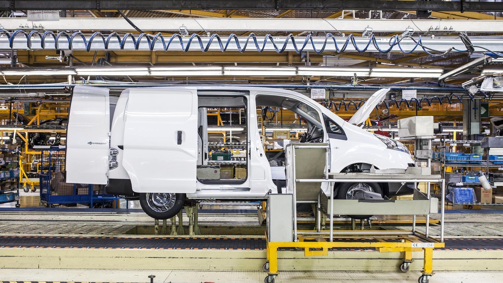 Nissan podria retallar la plantilla entre 400 i 500 persones a Barcelona