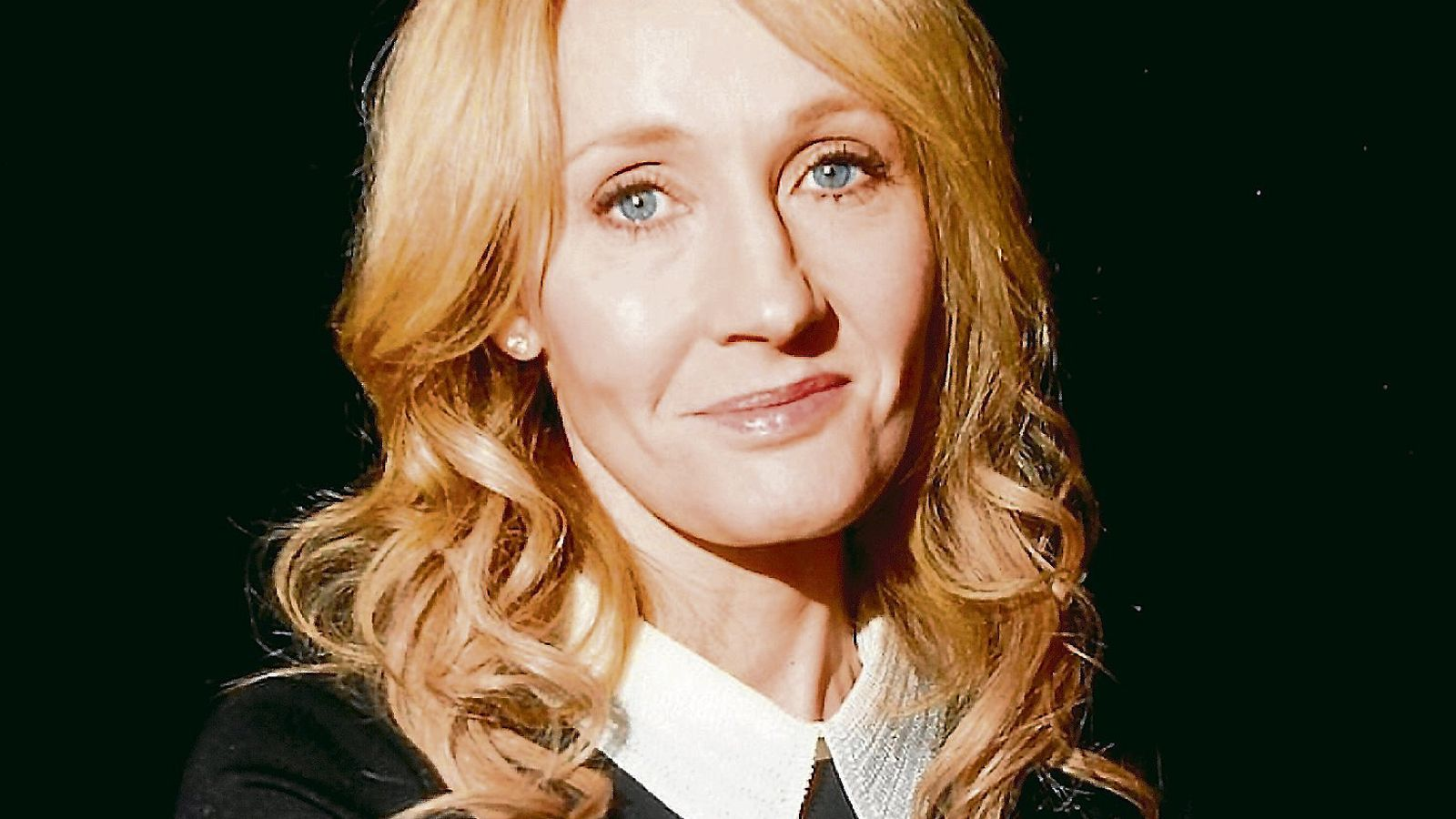 J.K. Rowling, una de les signants de la carta de Harper's, ha sigut objecte d'un linxament a les xarxes per missatges considerats transfòbics.