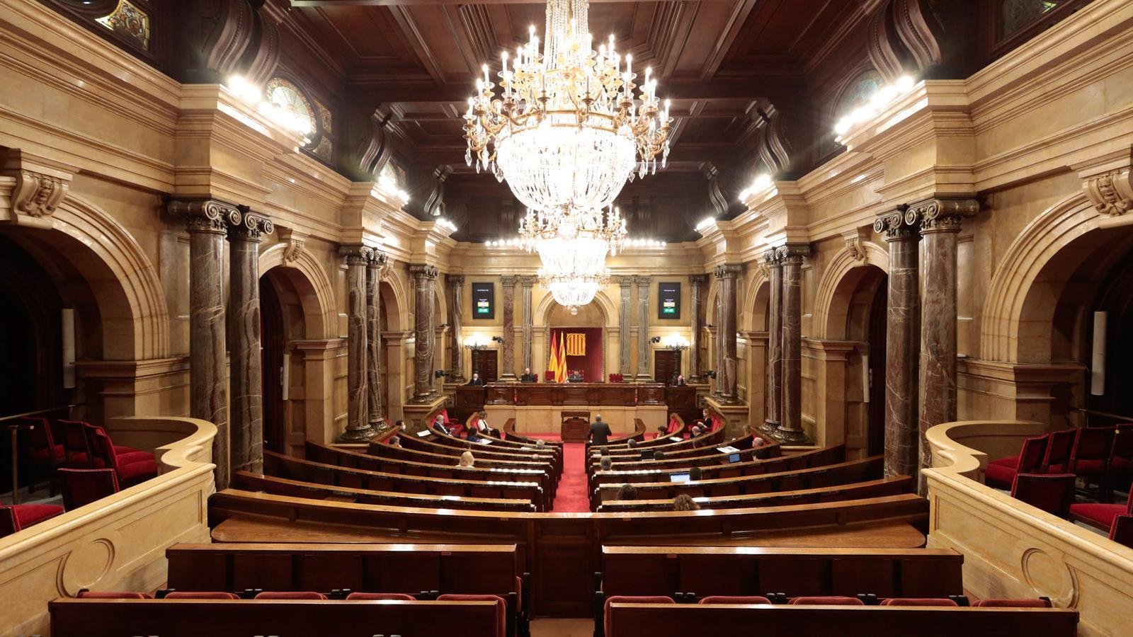 El Parlament activa el camí de l'amnistia sense els comuns i amb el rebuig del PSC