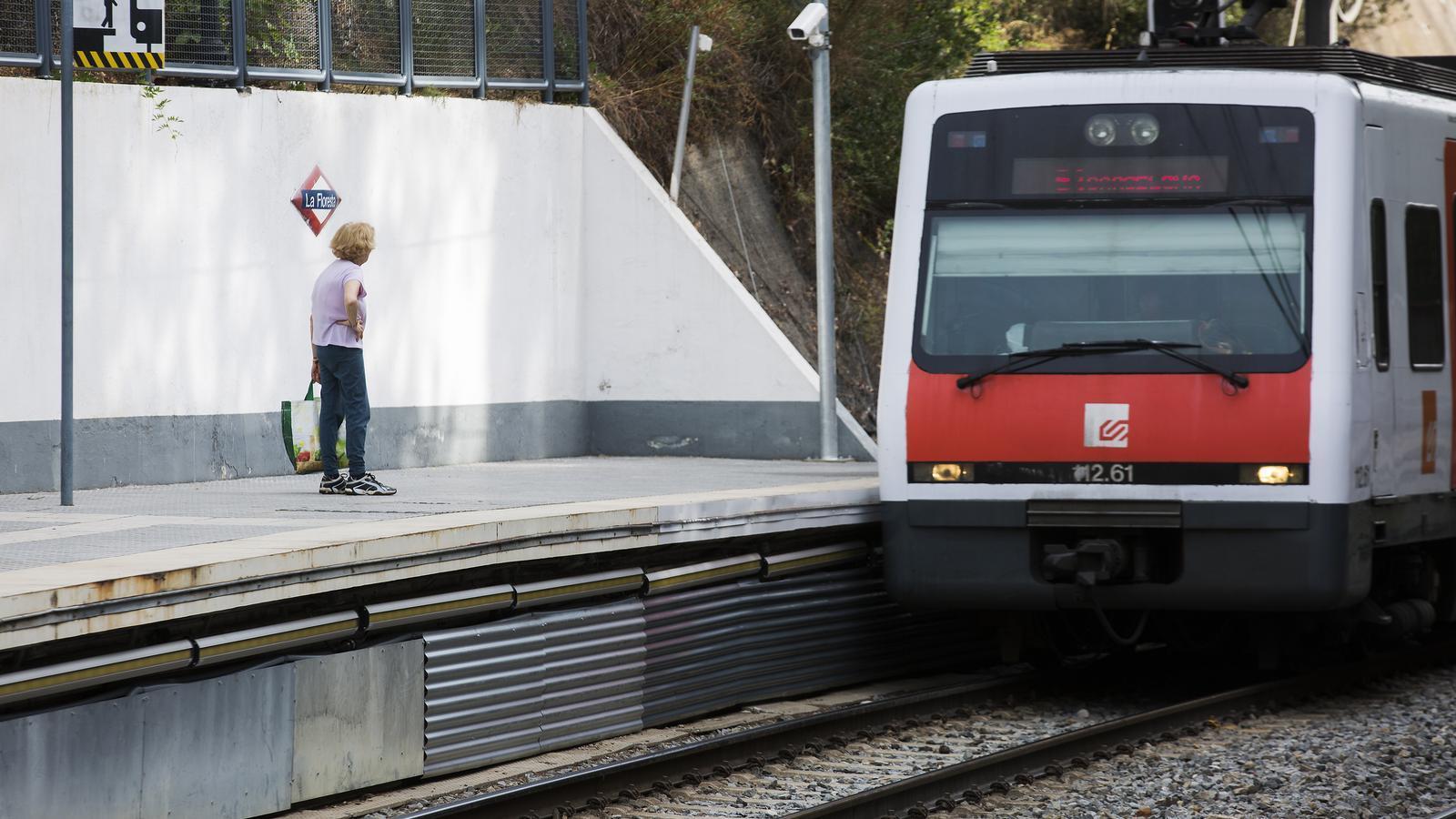 Com detectar objectes i persones que cauen a la via del tren?
