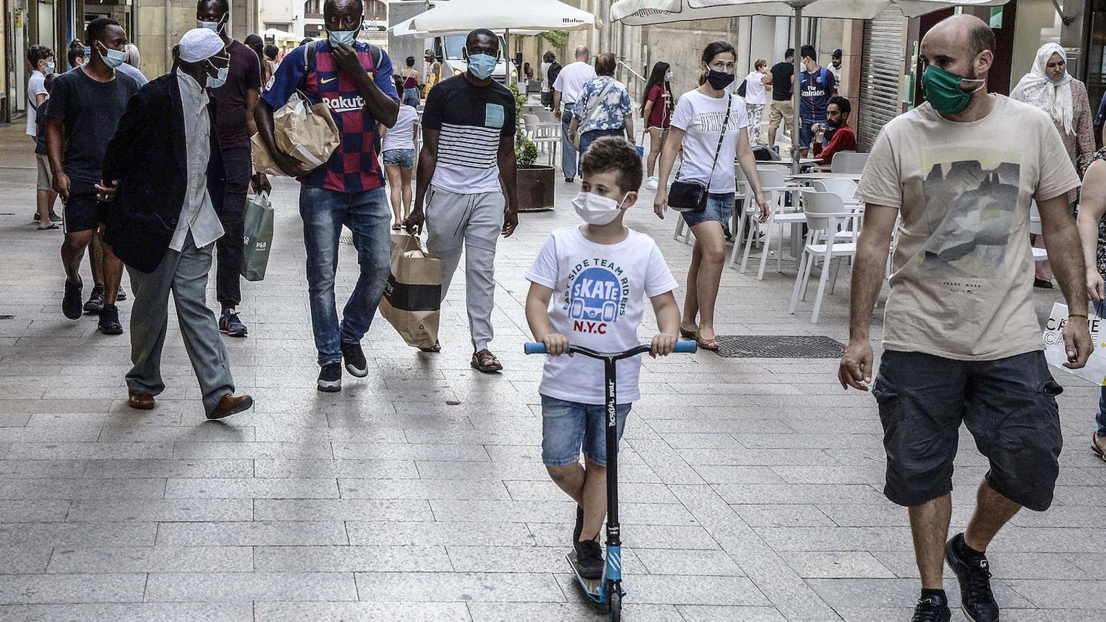Els contagis a l'Ebre i a l'àrea metropolitana fan enfilar la corba del covid