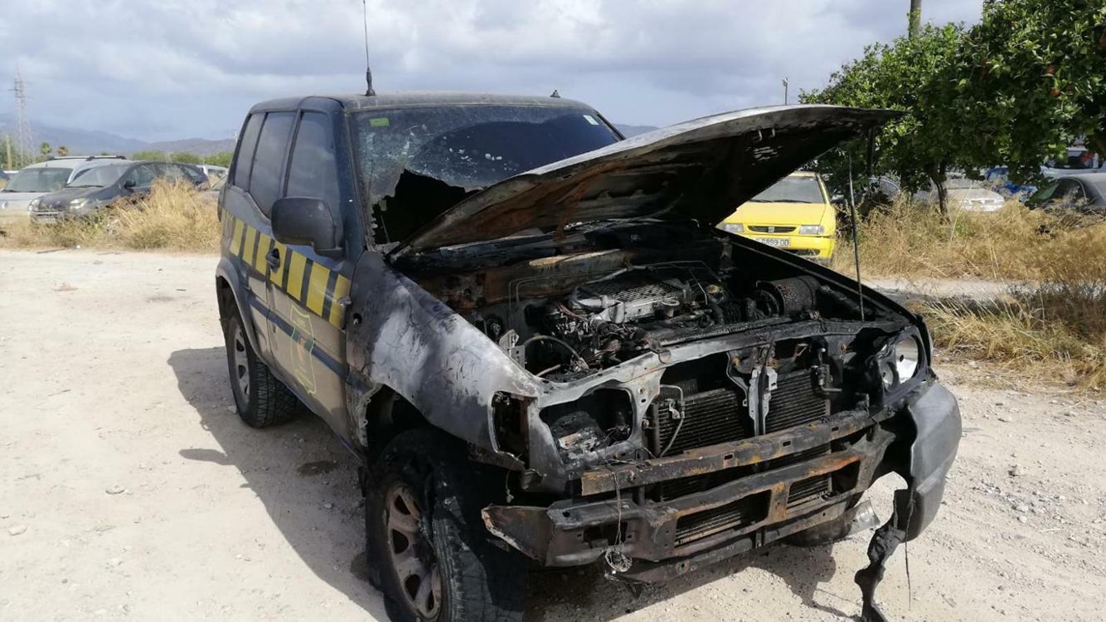 Un dels dos vehicles que han estat incendiats