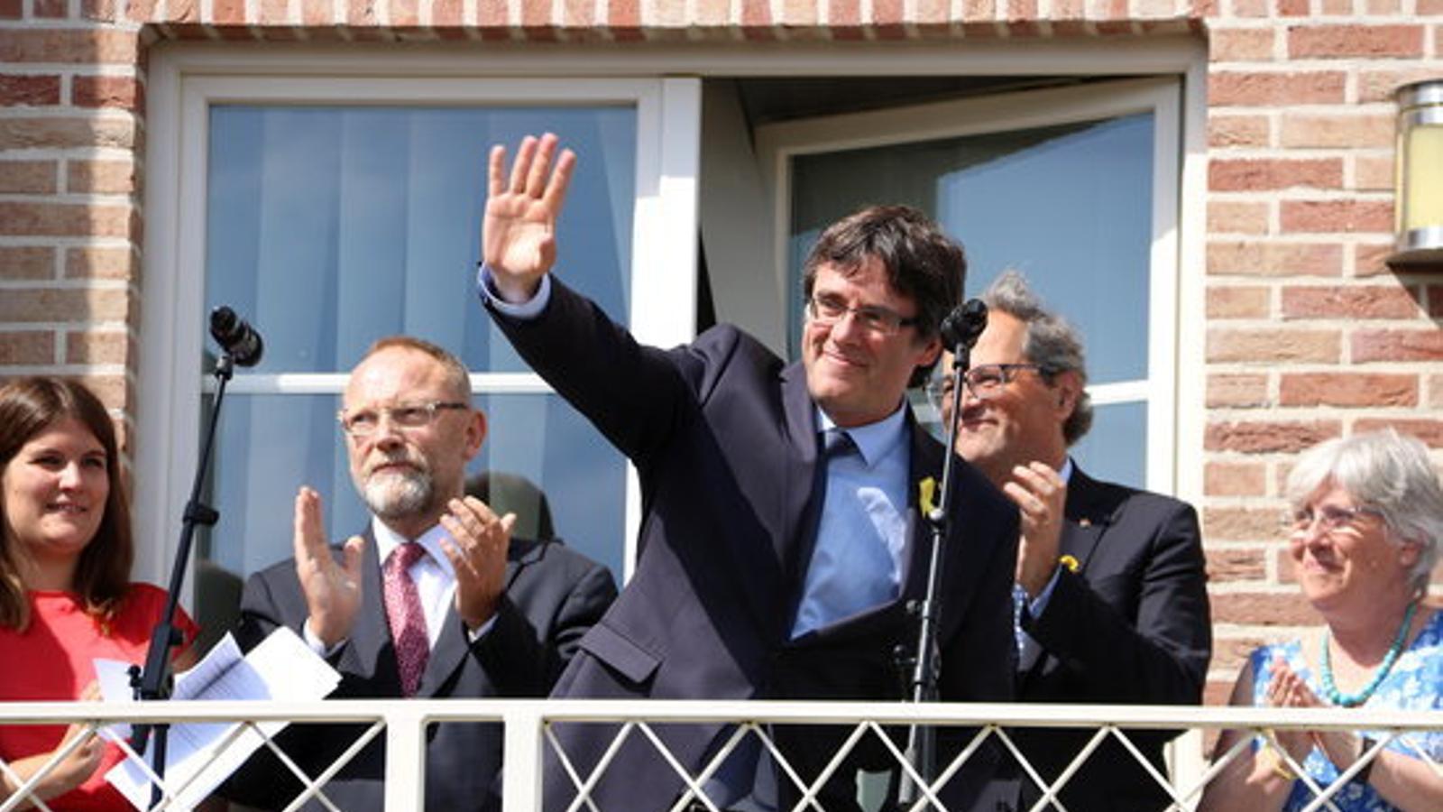 L'expresident de la Generalitat, Carles Puigdemont, a la Casa de la República / ACN