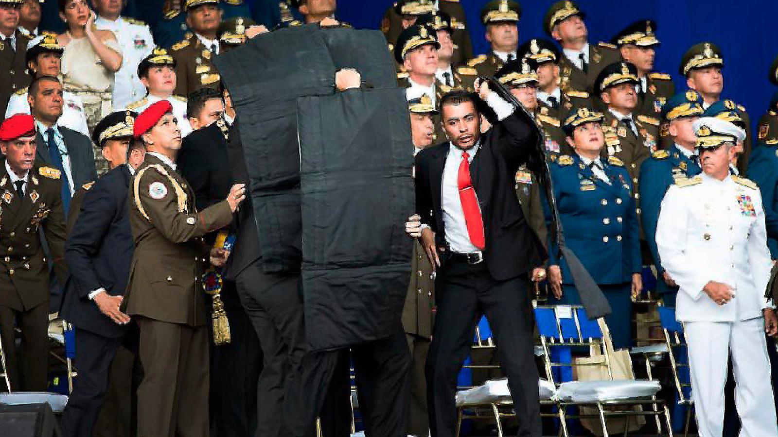 Maduro acusa el president colombià d'intentar matar-lo