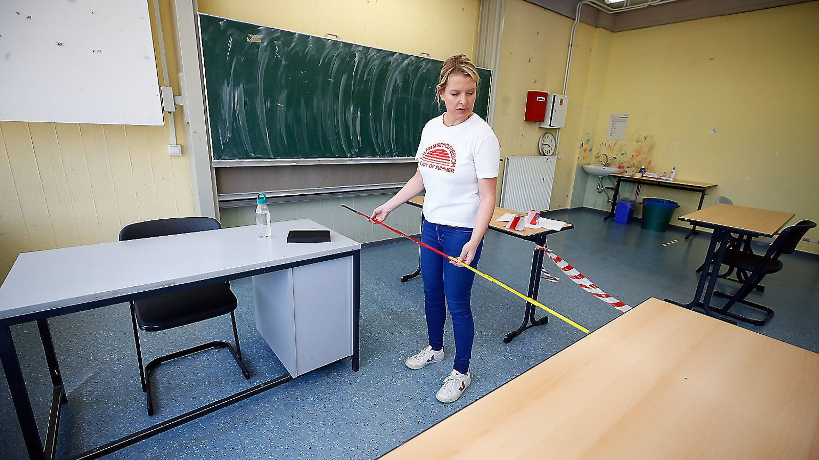 Una tornada atípica marcada per la distància i la higiene a l'aula ...