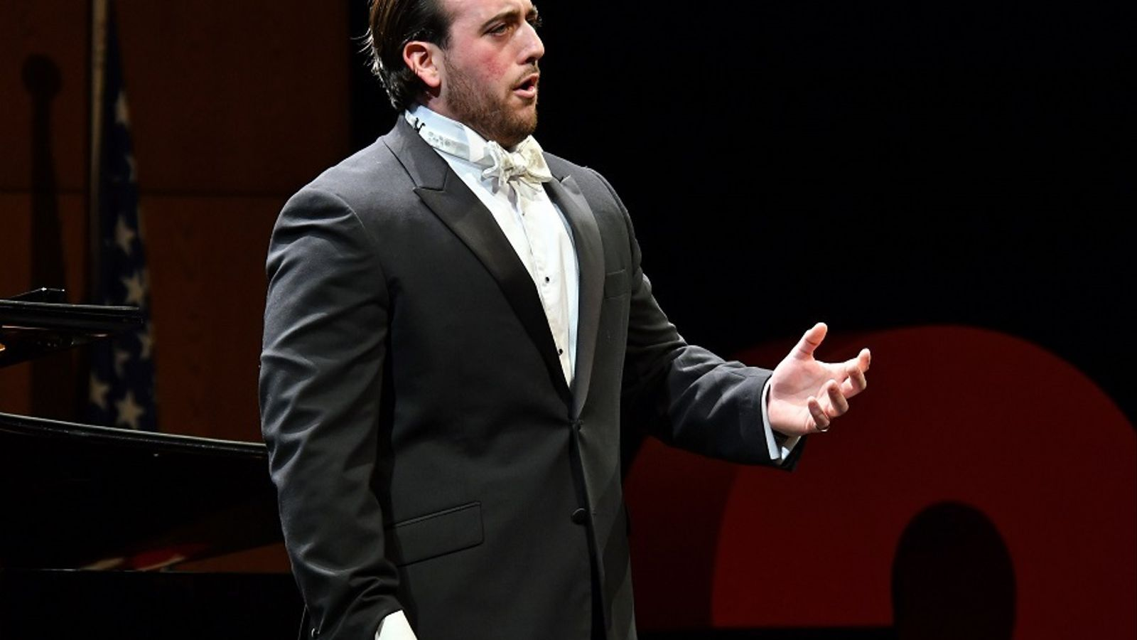 El tenor britànic Freddie de Tommaso a la final del 55è Concurs Tenor Viñas