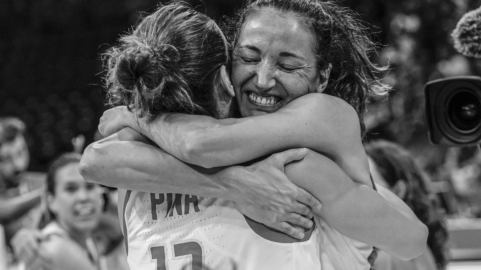 Laia Palau cel·lebra el passi a la final del campionat europeu.