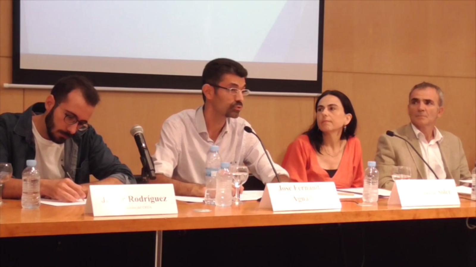 Segona roda del premsa del CREA per defensar-se de l'acusació de secta