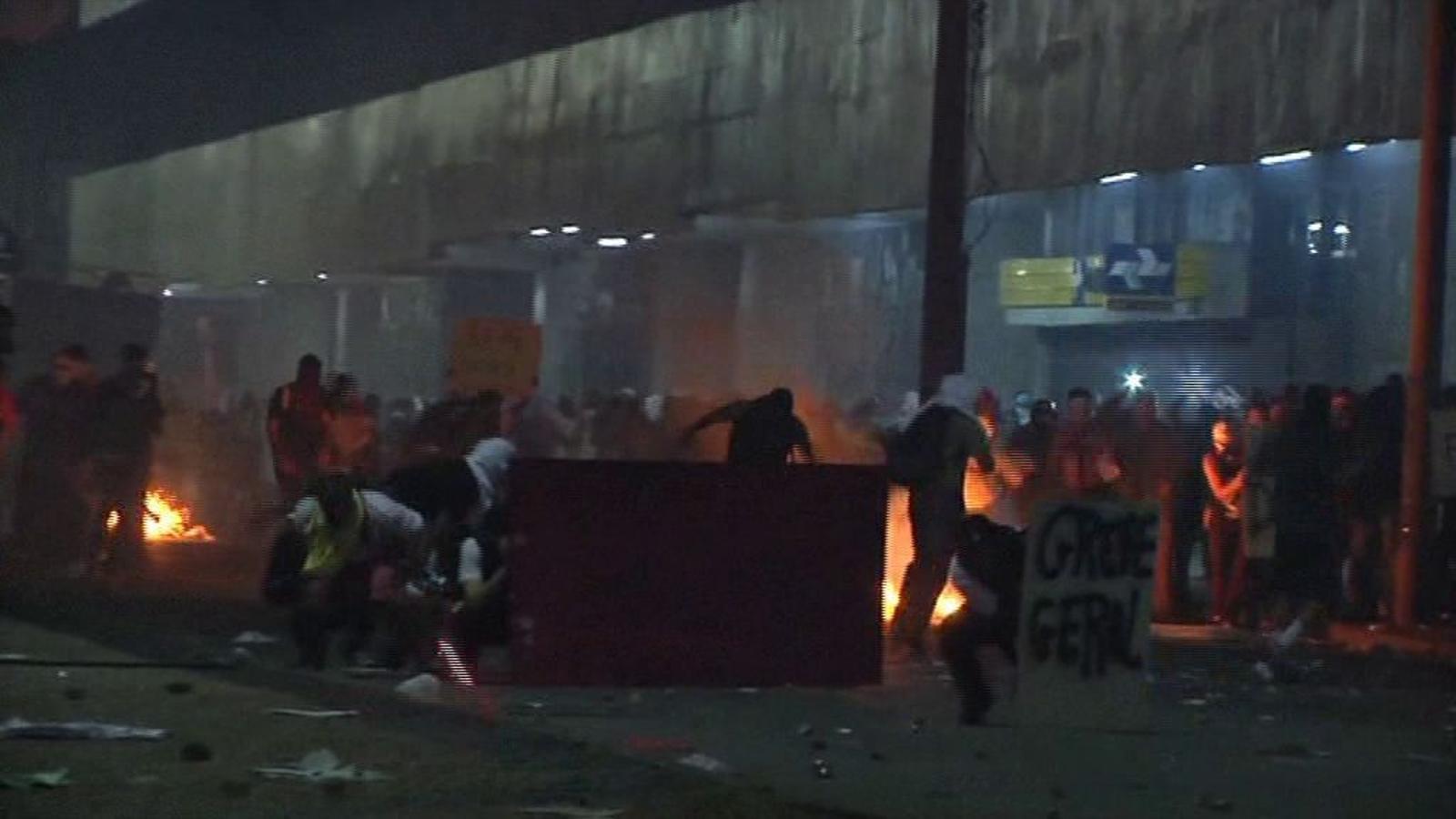 Continuen les protestes massives a les grans ciutats del Brasil