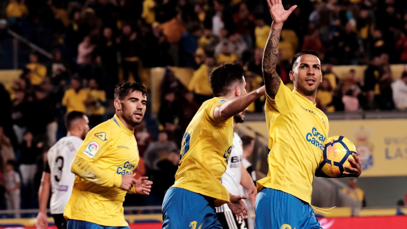 El València punxa contra el cuer de la Lliga (2-1)