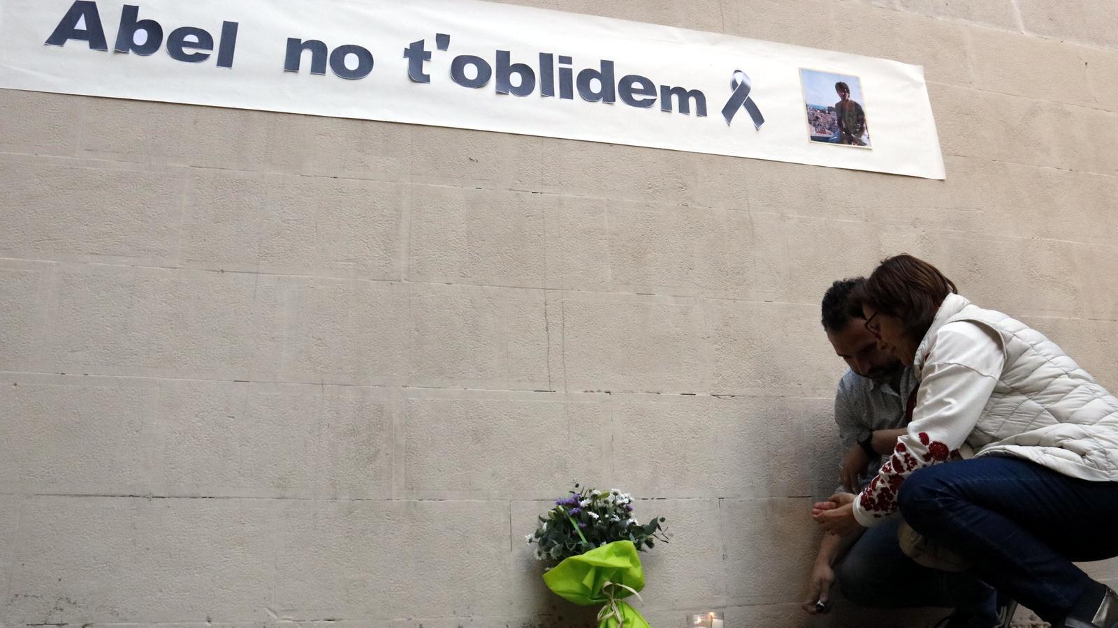 El Govern torna a negar la indemnització a la família del professor assassinat per un alumne a Barcelona