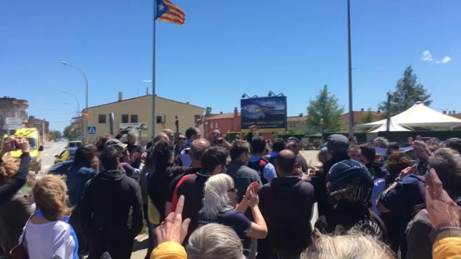 Desplegament dels Mossos d'Esquadra a Verges per l'enfrontament entre l'ultradreta i independentistes