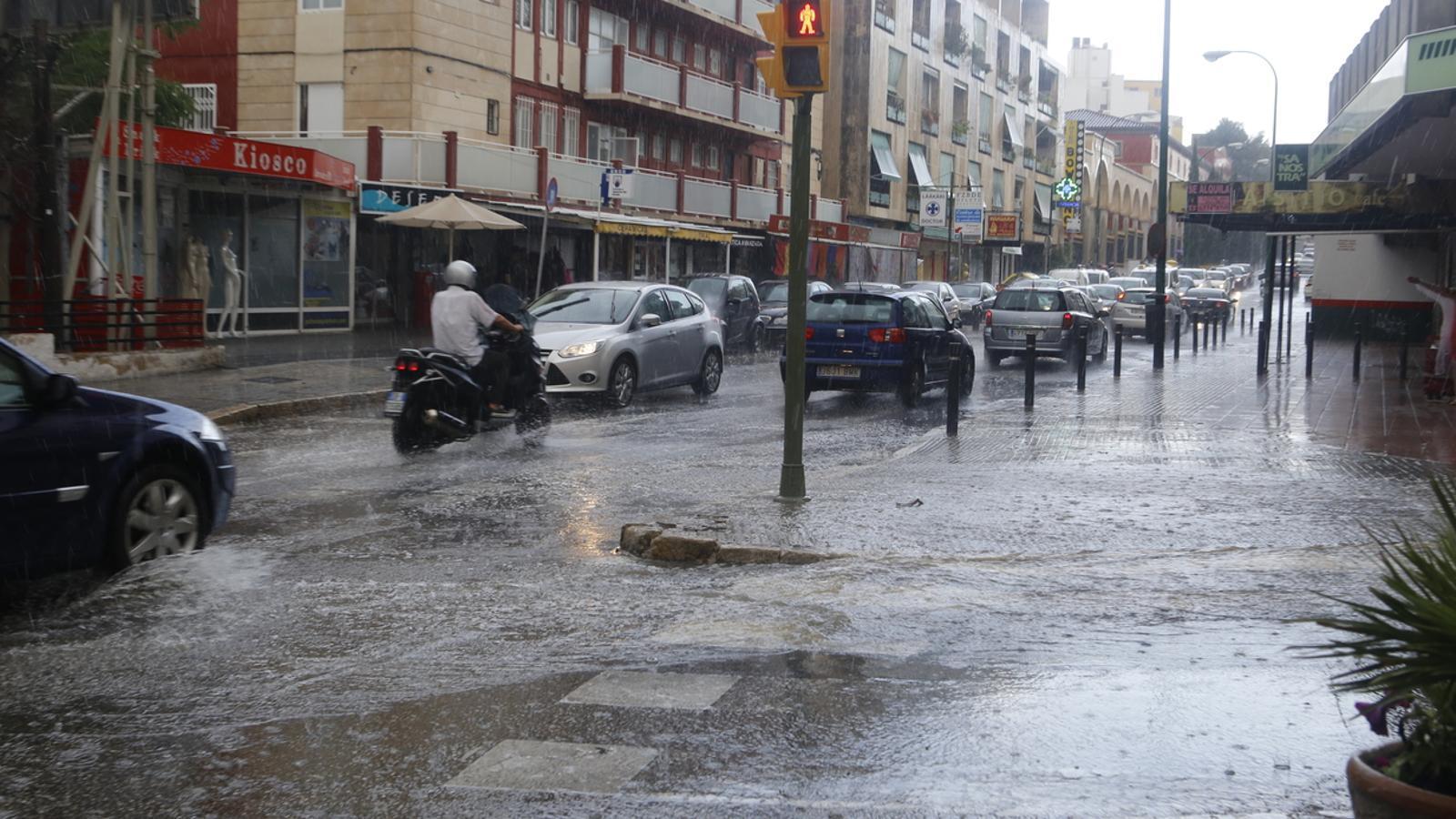 Imatge de pluja a Palma d'aquest cap de setmana. / E. CALVO