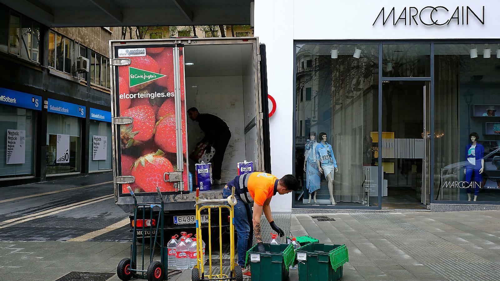 El Govern calcula que la nova crisi castigarà 300.000 treballadors com a mínim