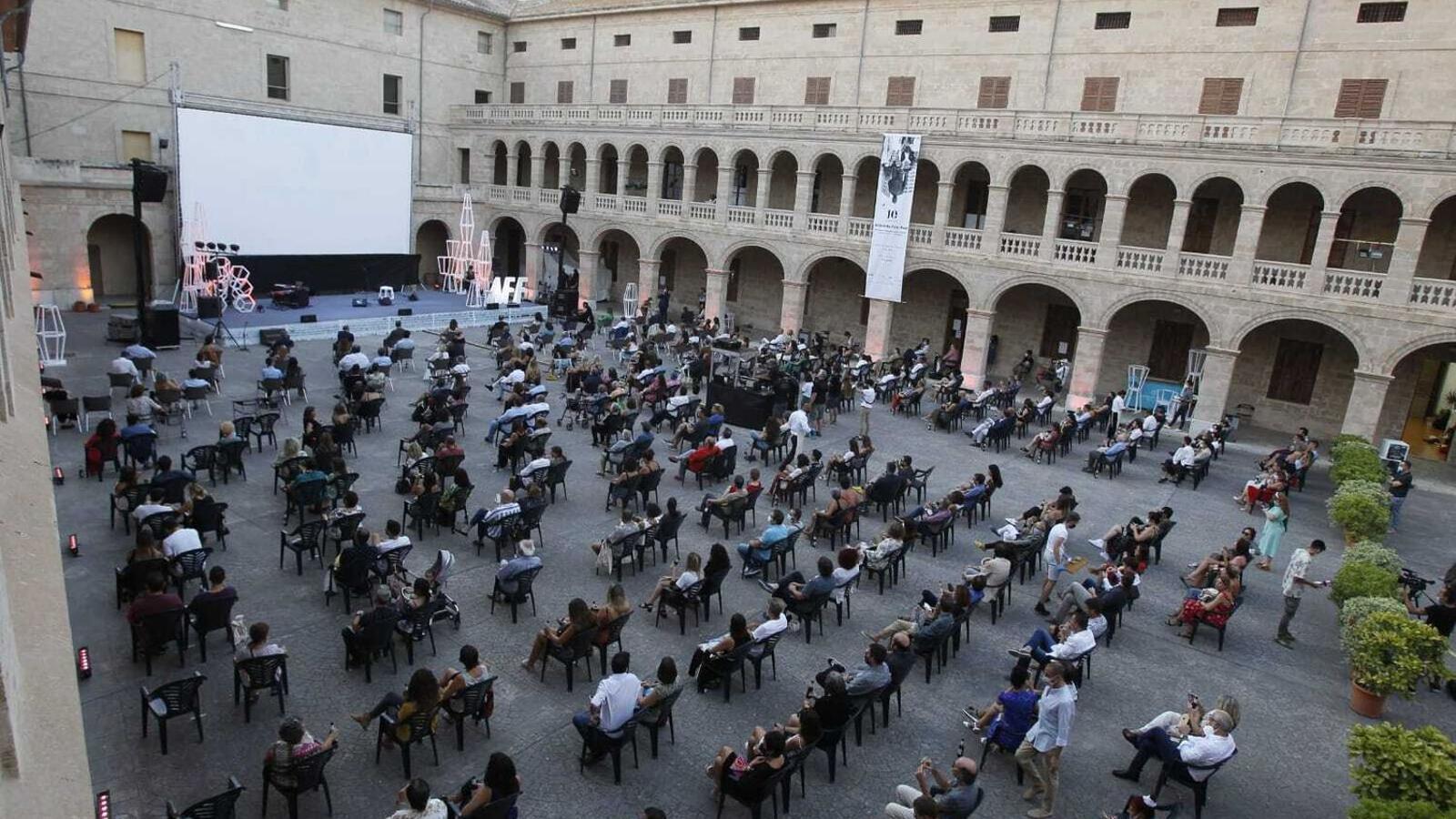 Imatge de la inauguració de l'Atlàntida Film Fest a la Misericòrdia