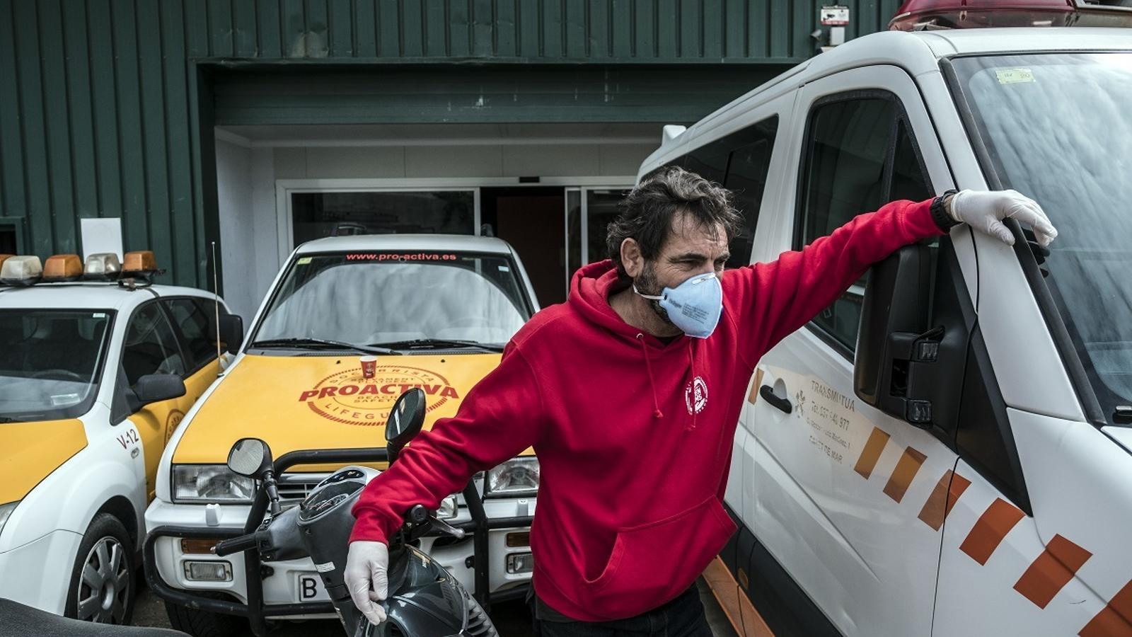 Voluntaris d'Open Arms, ajudant en l'assaig clínic per combatre el coronavirus