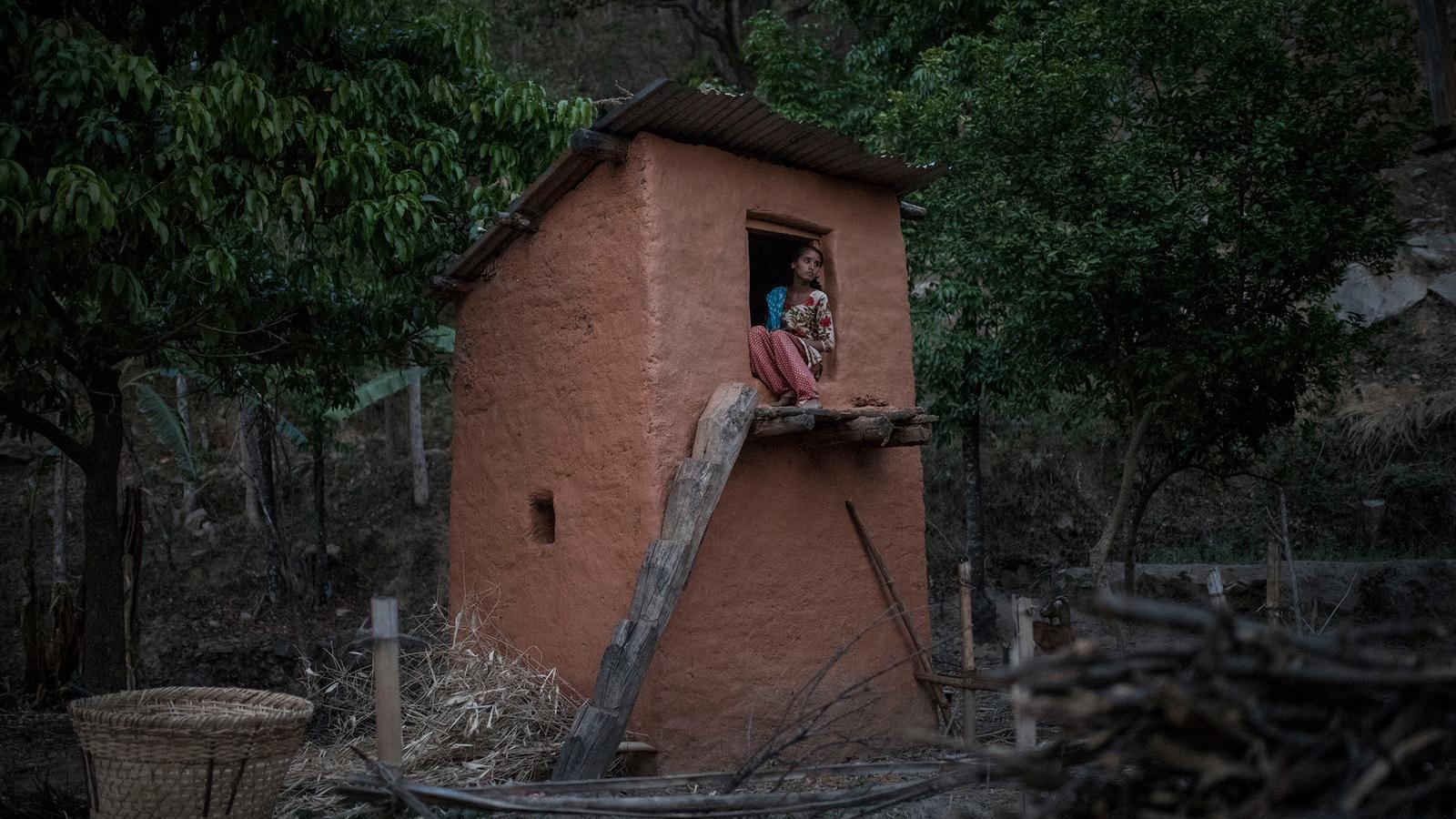 Al Nepal hi ha noies que moren pel tabú de la menstruació