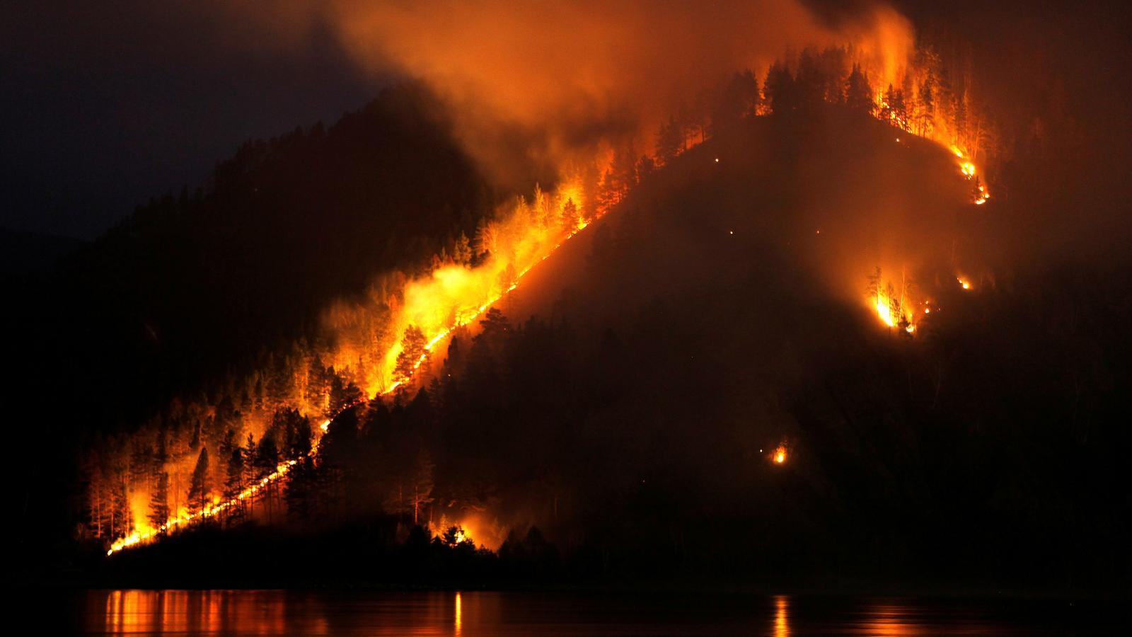 Els incendis de Sibèria cremen una zona tan gran com Catalunya