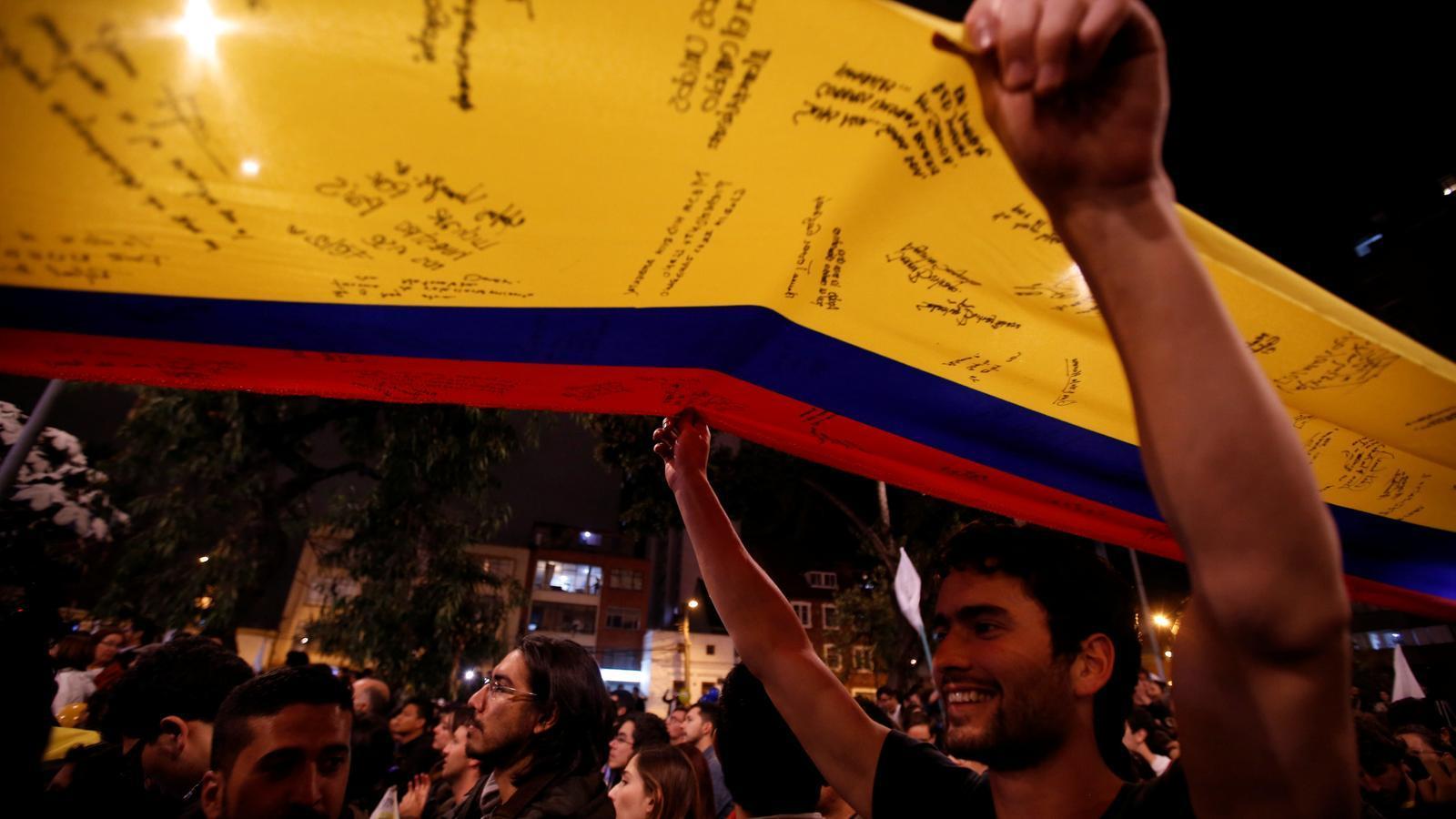 El govern colombià i les FARC signen l'acord de pau