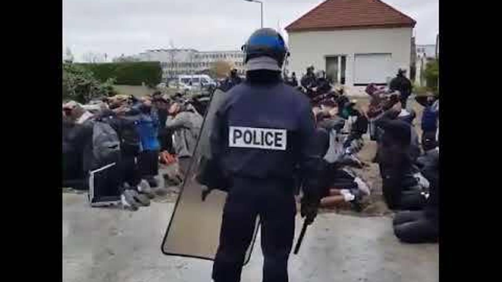 Estudiants detinguts a França