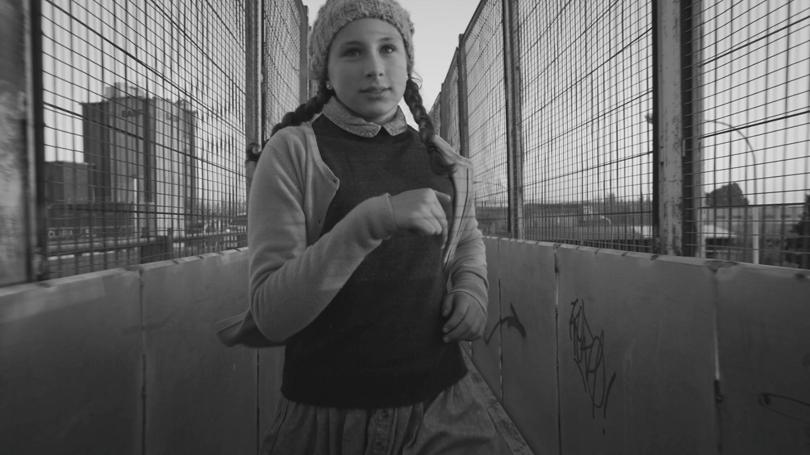 'Omplint la neu', el nou videoclip de Caïm Riba