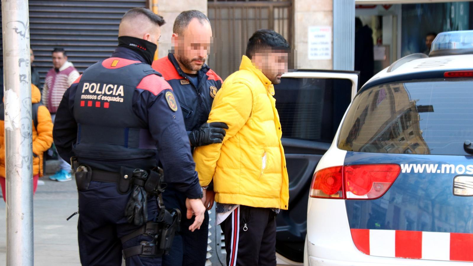12 detinguts en un operatiu policial contra els narcopisos a Ciutat Vella