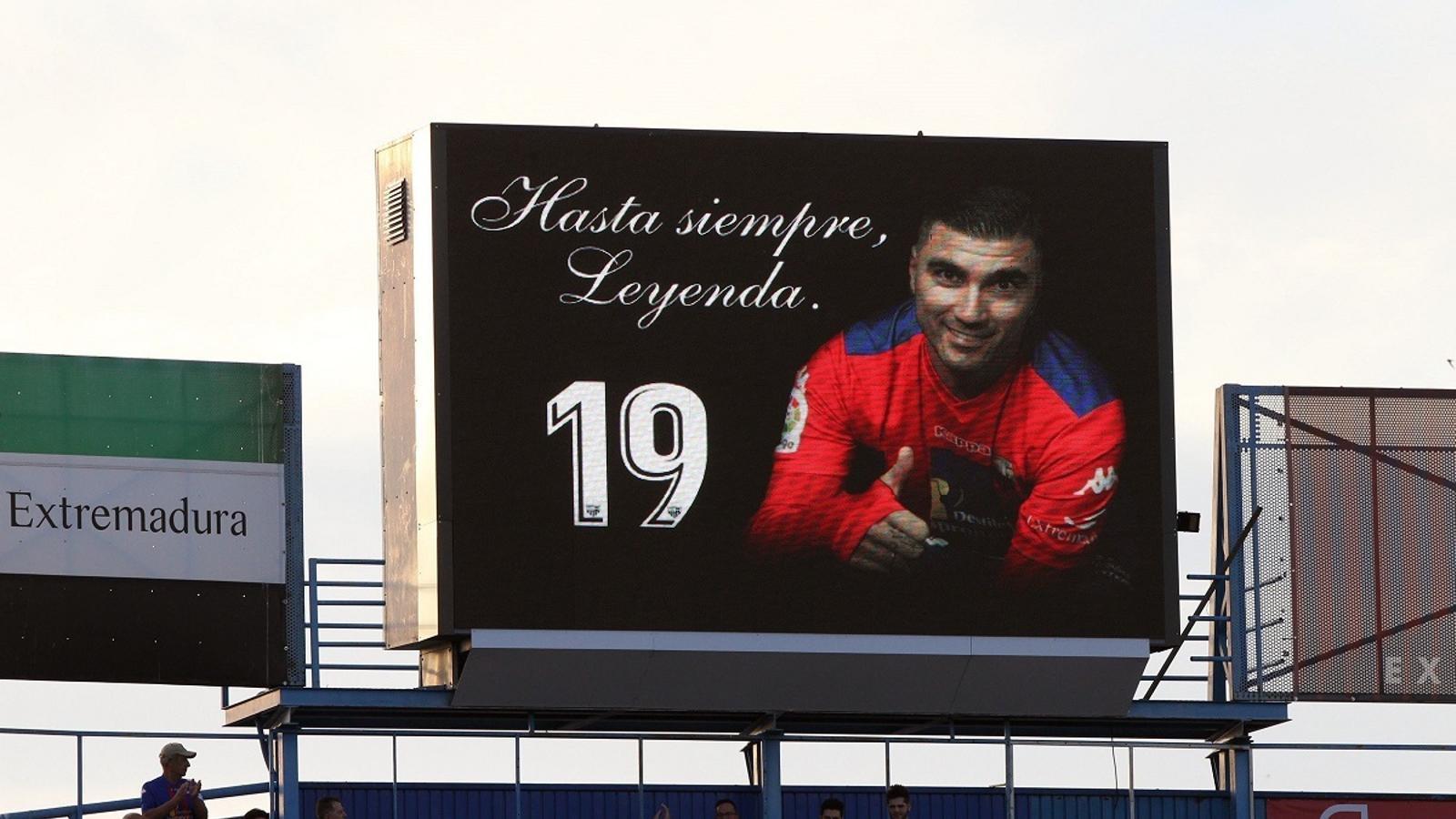 L'Extremadura va retre homenatge al seu exjugador José Antonio Reyes