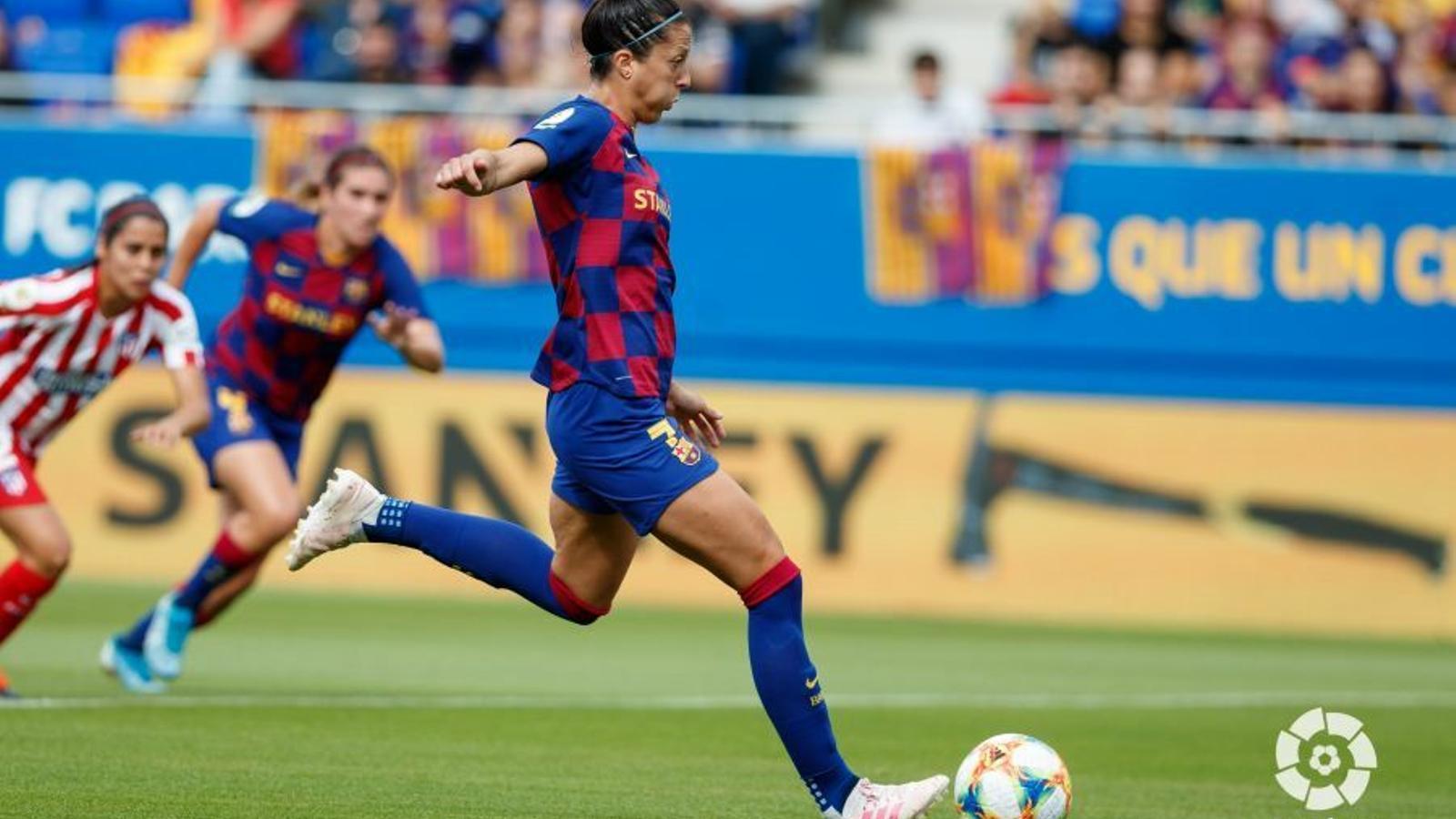 Jenni Hermoso, en el llançament de penal del Barça-Atlètic de la primera volta