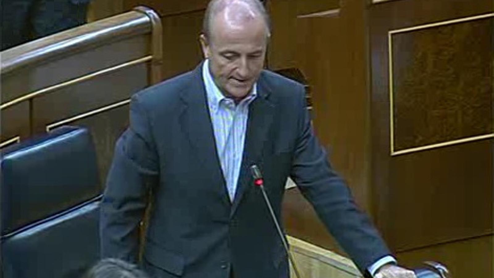 Bono renya el ministre Sebastián per anar sense corbata al Congrés