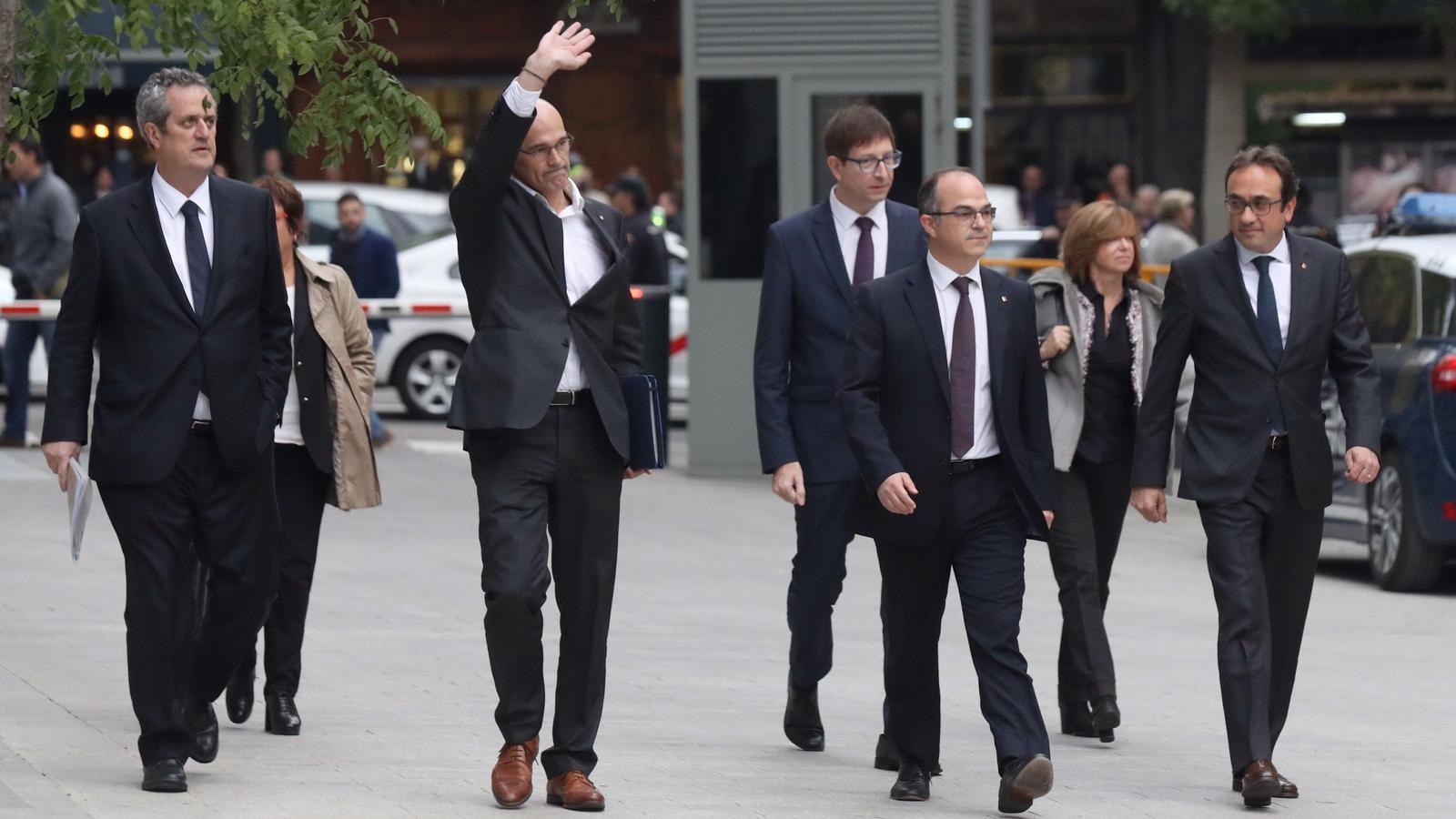 Els consellers, arribant a l'Audiència Nacional