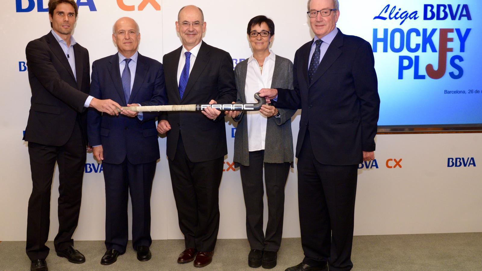 Pol Amat, a l'esquerra, ha estat una de les cares conegudes en la presentació de la BBVA Hockey Plus