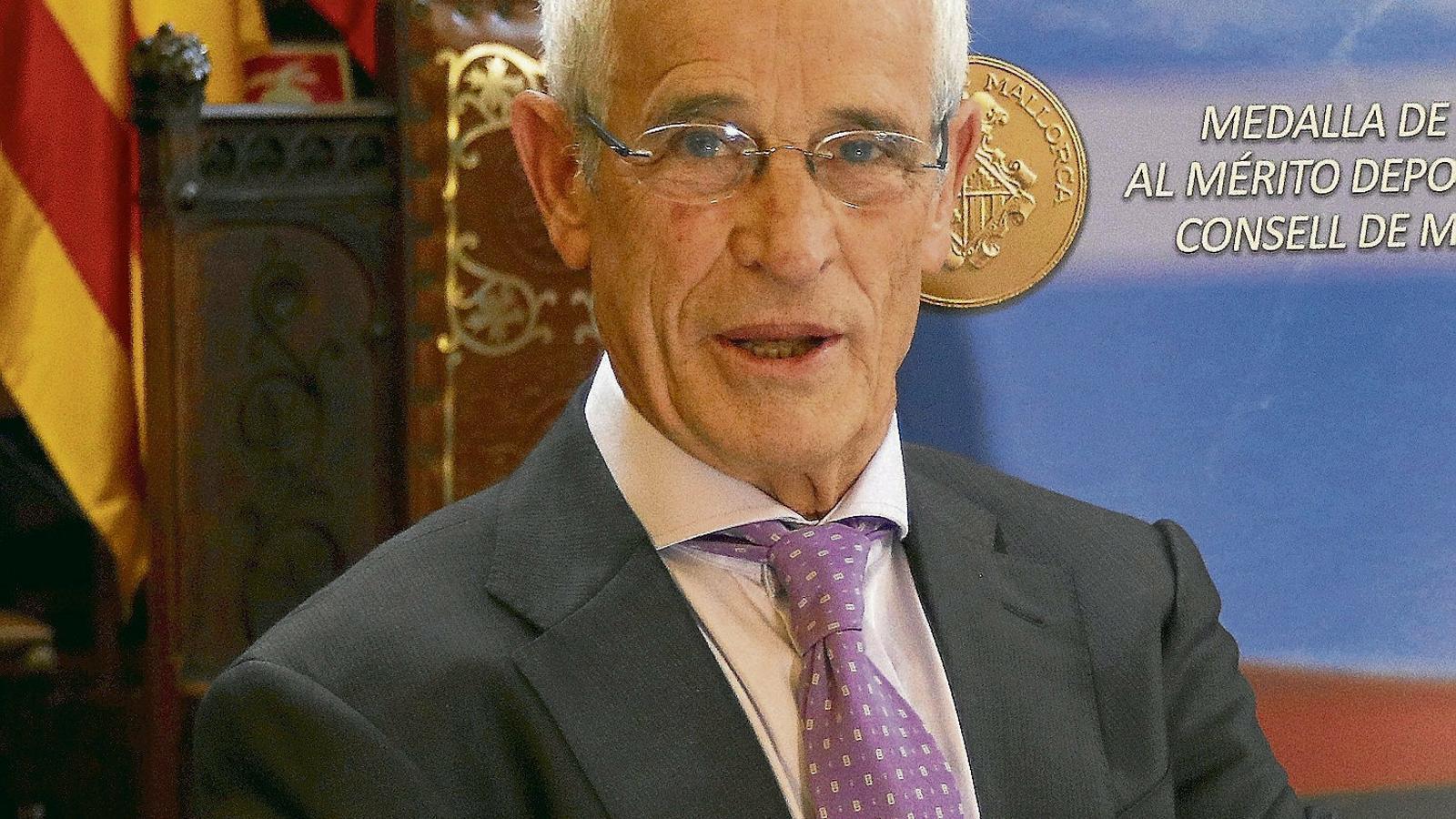 Emilio de la Cámara: continuar guanyant medalles a 75 anys