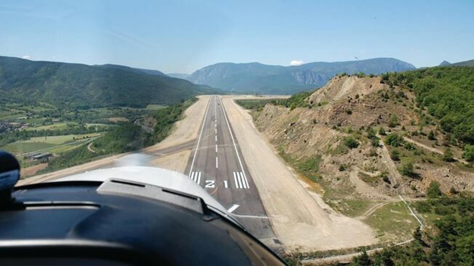 L'aeroport d'Andorra-la Seu. / ARXIU