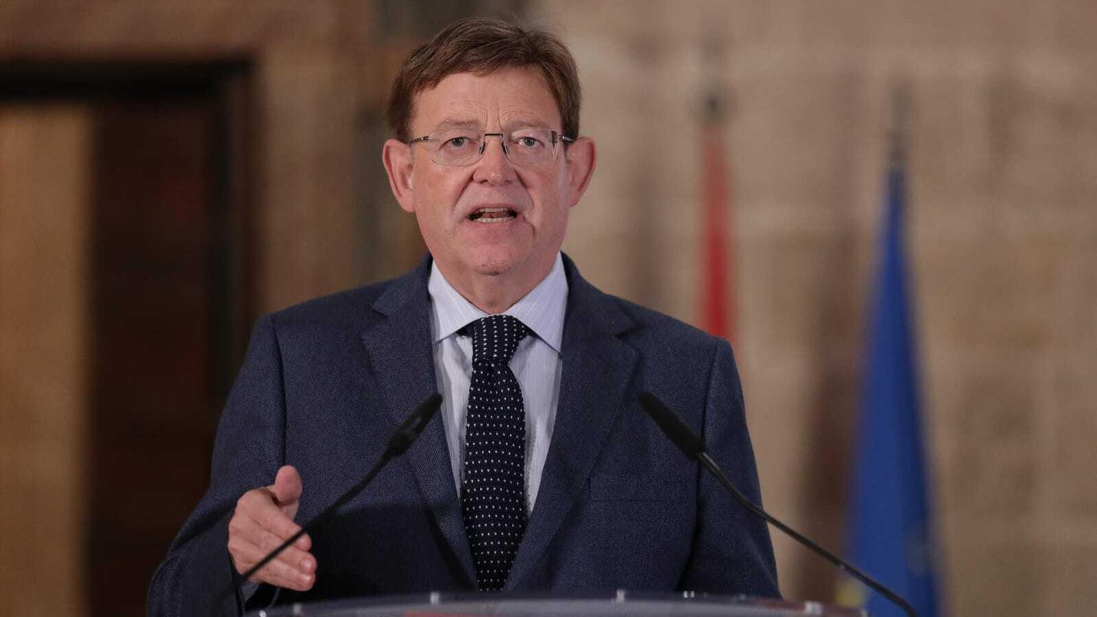 El president de la Generalitat, Ximo Puig, anunciant les mesures