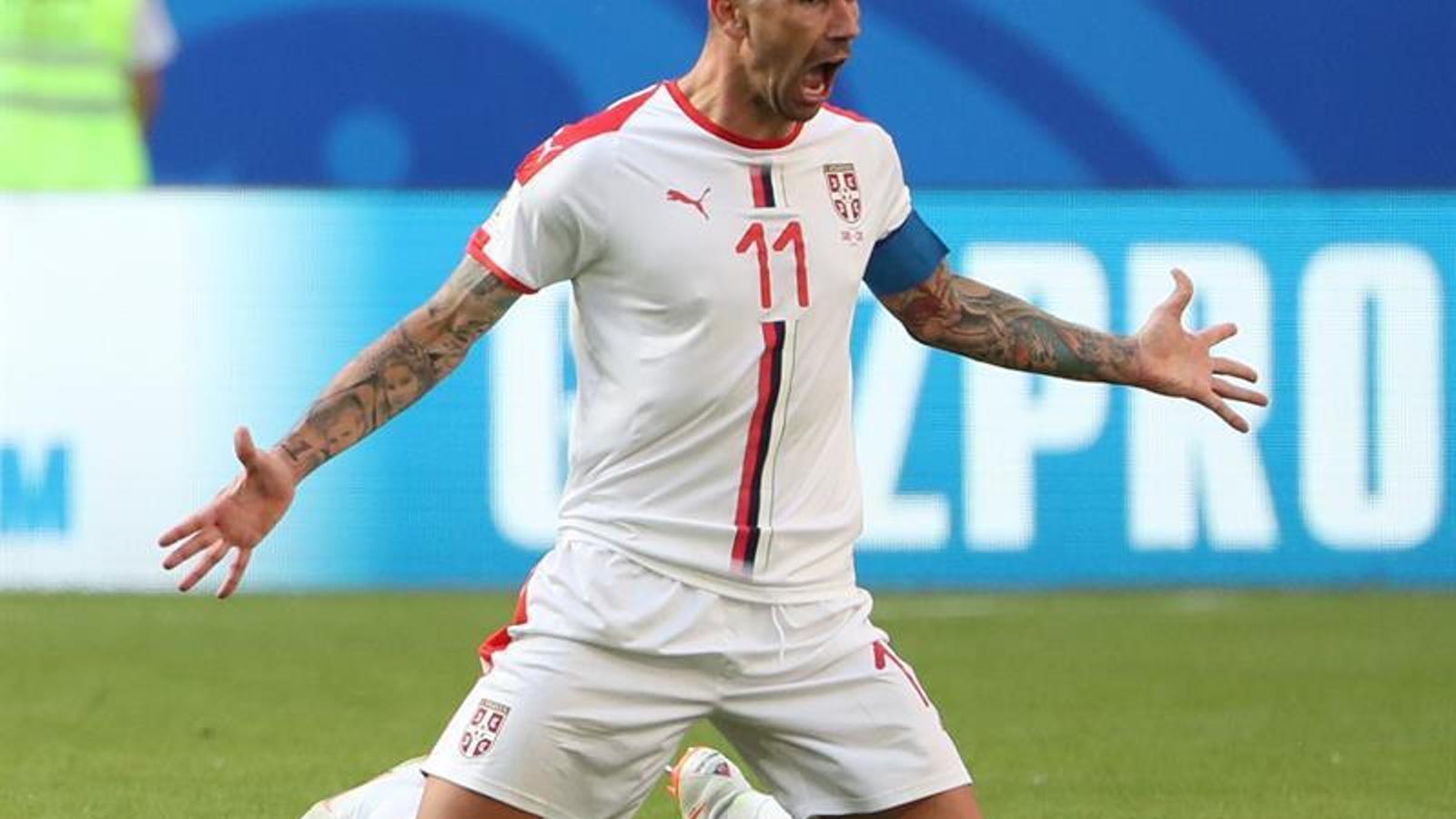 Un gol de falta de Kolarov dona ales als serbis contra Costa Rica (1-0)