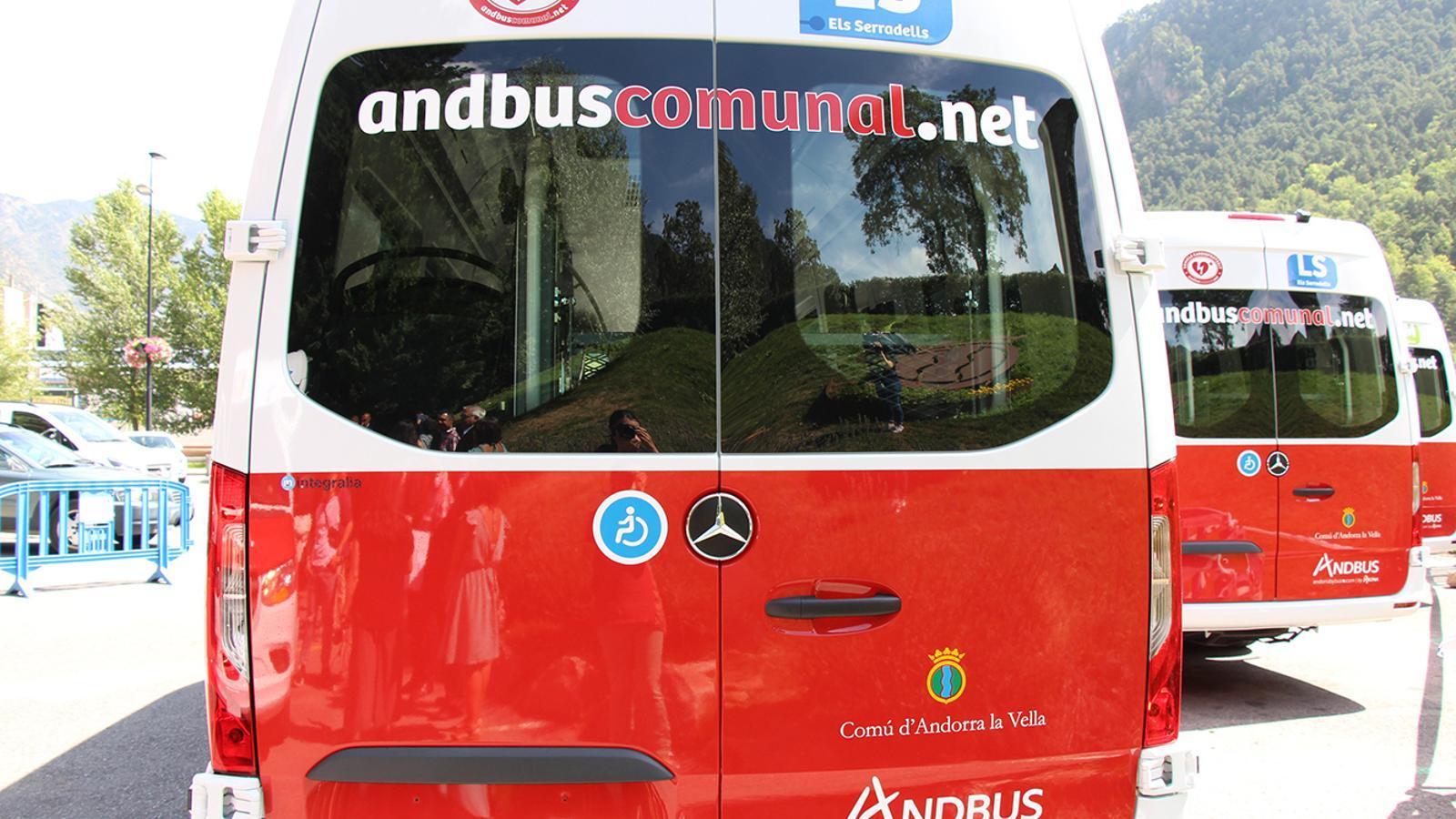 Els nous busos de les línies de transport comunal d'Andorra la Vella. / M. F. (ANA)