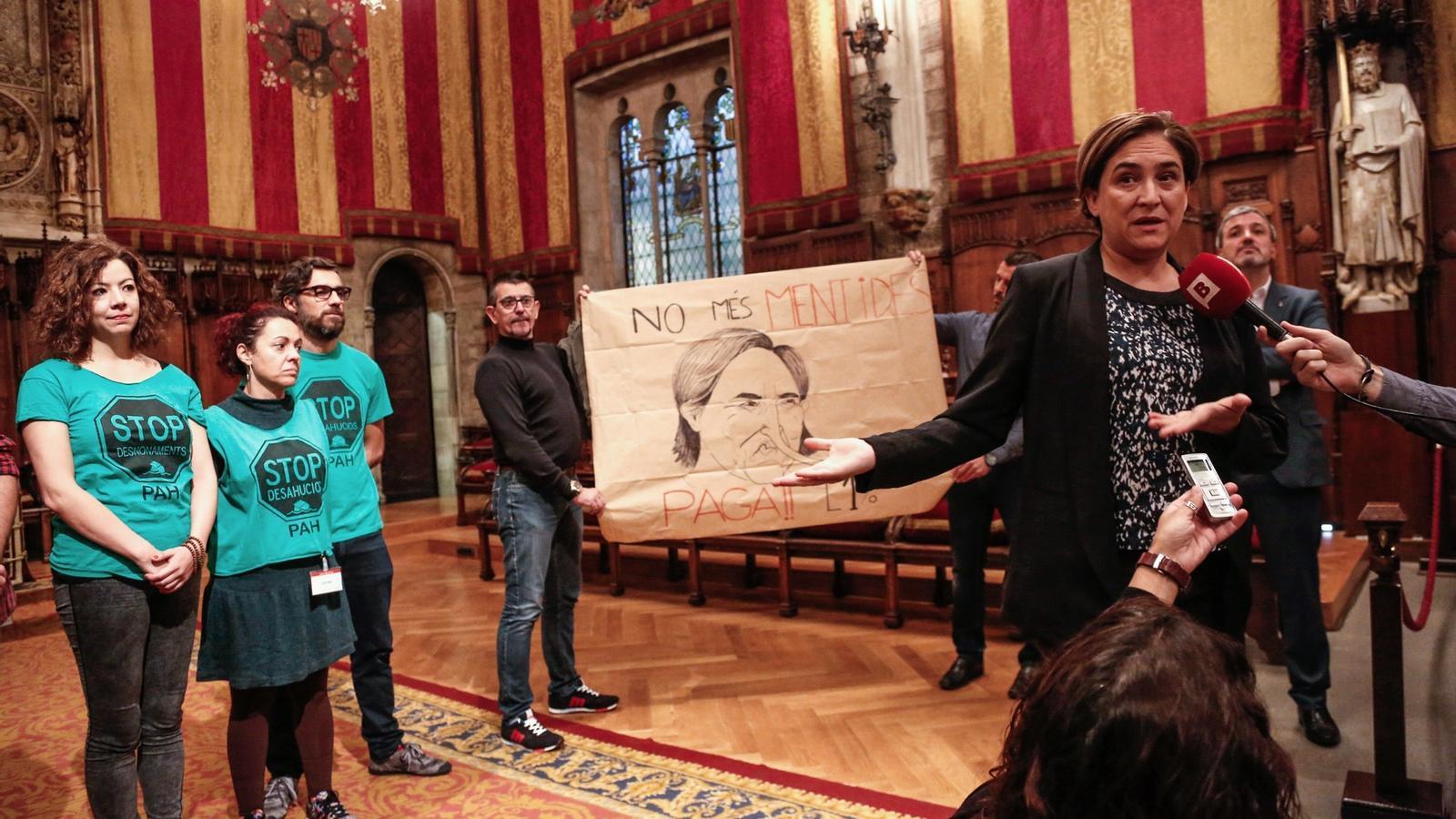 Colau colla la sareb exigeix la cessi obligat ria de 400 for Pisos sareb barcelona