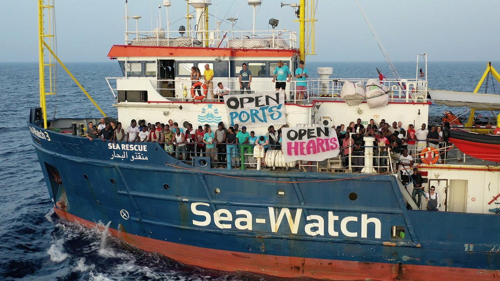 Itàlia obre una investigació contra la capitana del Sea Watch