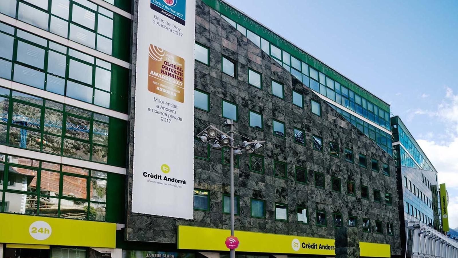 L'edifici central de Crèdit Andorrà. / EDUARD COMELLAS