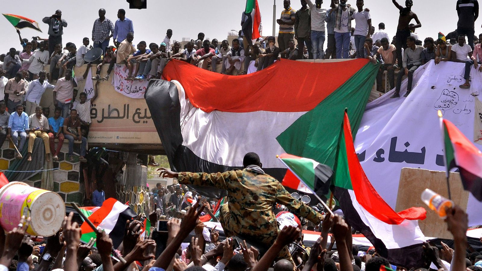 Cop d'estat al Sudan: cau un altre dictador africà