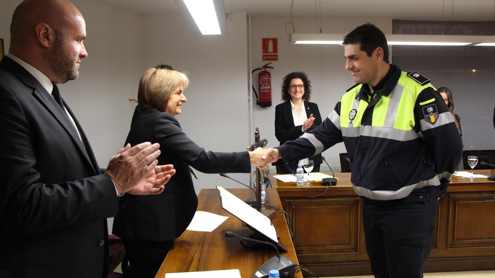 Ramiro Palacín ha pres possessió del seu càrrec d'agent de circulació d'Escaldes-Engordany aquest dilluns. / M. T. (ANA)