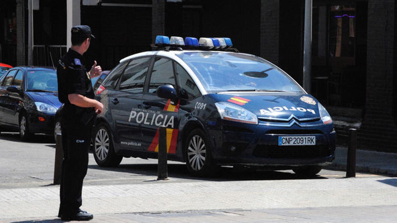 Un agent de la Policia Nacional.